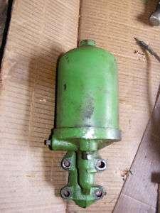 John Deere 1010 Diesel Oil filter assembly