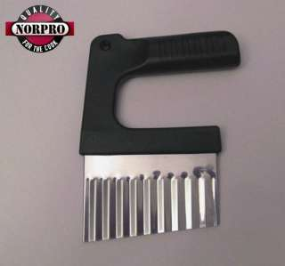 Norpro STAINLESS STEEL CRINKLE CUTTER   NEW 5123