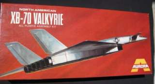 Aurora 370 250 North American XB 70 Valkyrie kit 1969