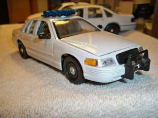 WELLY 1/27 1/24 USED WHITE FORD CROWN VIC NO BOX