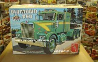Plastic Model Kit # T537 DIAMOND REO VINTAGE Tractor TRUCK 1/25 O
