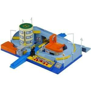 JAPANESE PLARAIL & TOMICA / RAILWAY CROSSING STATION TOMY