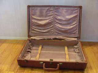 VINTAGE SAMSONITE BROWN LEATHER SUITCASE (MATCHES BRIEFCASE)