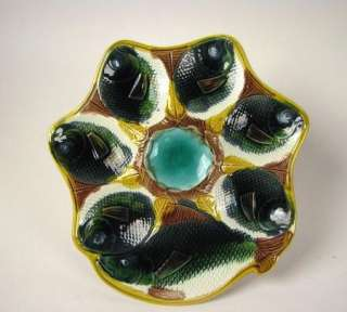 Antique English Majolica fish head Oyster Plate
