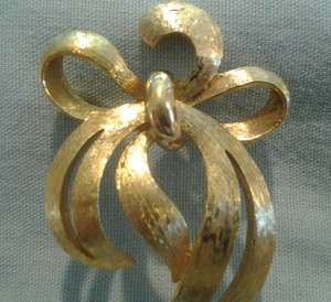 Vintage Monet Gold Tone Bow Brooch/Pin