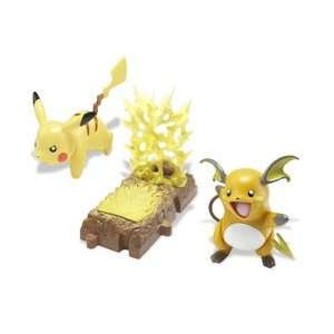 Figure: Deluxe Battle Link Series 1  Pikachu/Raichu: Toys & Games