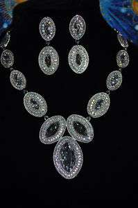 ABSOLUTE SPECTACULAR Rhinestone necklace/earring set