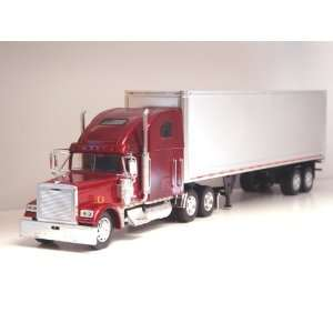 132 Freightliner Classic XL Tractor Trailer G scale Toy