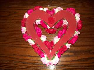NWT VALENTINES DAY FLORAL ROSES ROSE HEART SHAPED WREATH PINK/RED 12